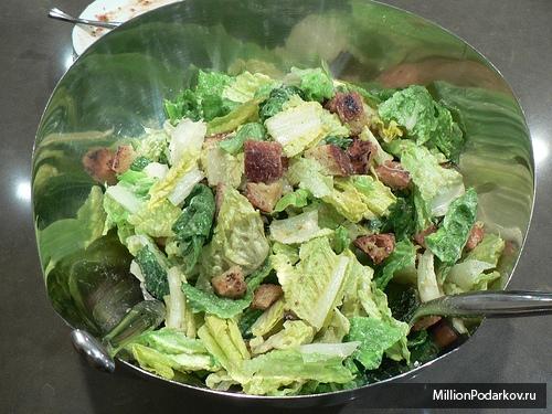 Рецепт от Высоцкой – Салат из брокколи и индейки