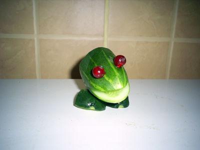 Лягушка из овощей поделка фото 37