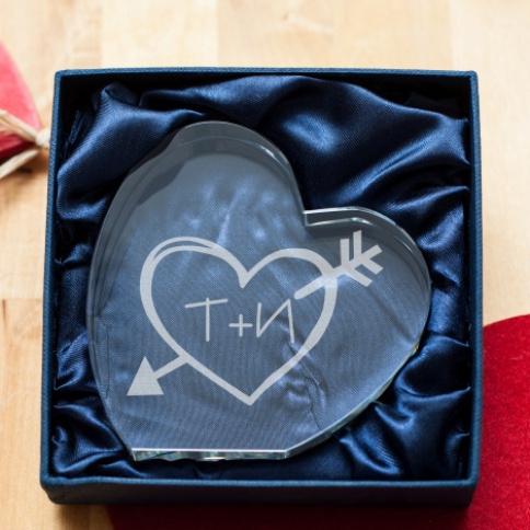 Подарок от любимых подруг на свадьбу