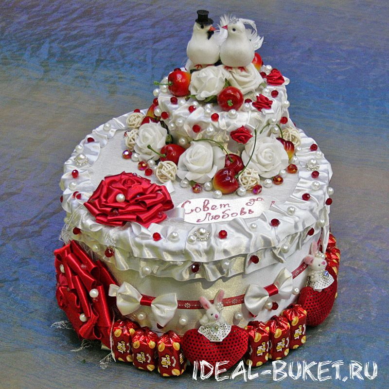 Сделать свадебный торт из конфет своими руками