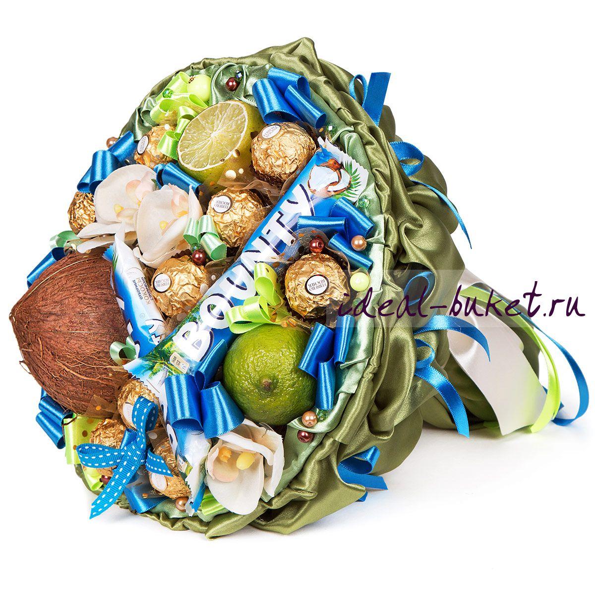 Подарок из конфет и фруктов