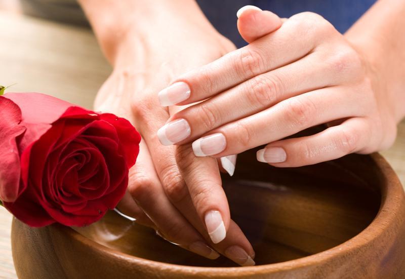 Женские руки в домашних условиях