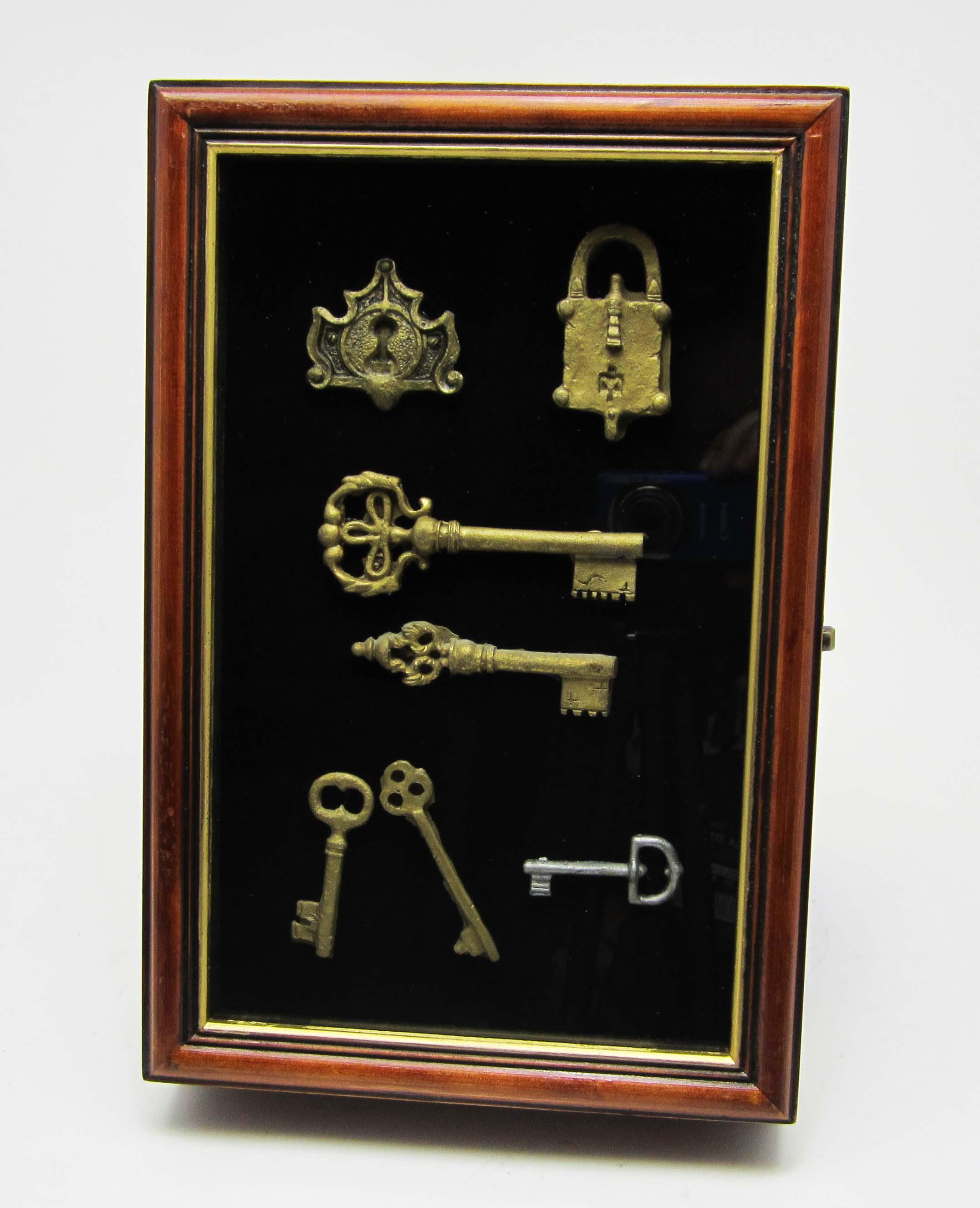 Ключница из старых часов