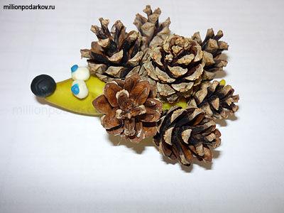 Поделки из шишек листьев и веток