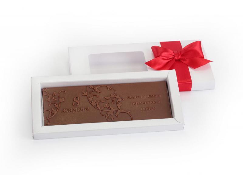 Детские телефон, поздравительная открытка из шоколада